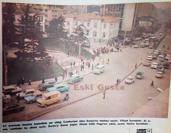 Bursa Cumhuriyet Meydanının 1977 yılındaki fotoğrafı