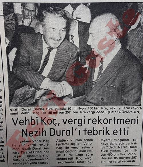 Vehbi Koç Nezih Dural'ı tebrik etti.
