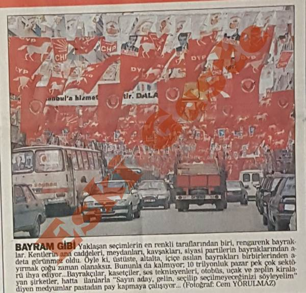 27 Mart 1994 yerel seçimleri öncesi caddelerdeki bayraklar