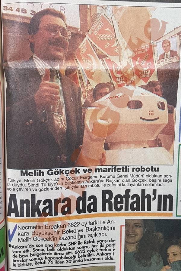 Melih Gökçek robot ile seçim zaferi kutladı